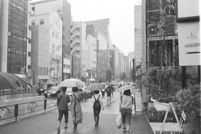 雨の日のスナップにバルナックライカ